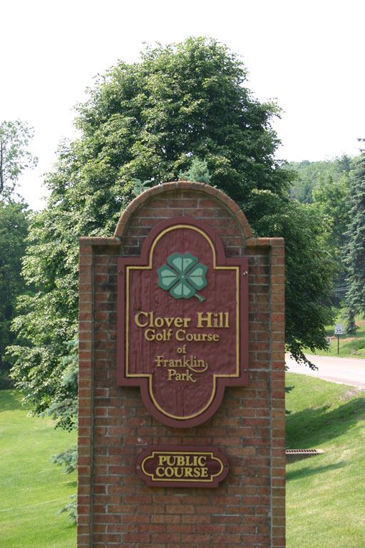 Clover Hill Golf Course Sign